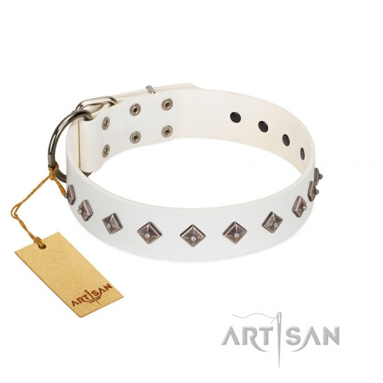 """Snowy Day"" Stylish FDT Artisan White Leather English Bulldog Collar with Small Dotted Pyramids"